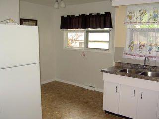 Photo 4: 297 WESTWOOD Drive in WINNIPEG: Westwood / Crestview Residential for sale (West Winnipeg)  : MLS®# 1016374