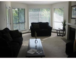 Photo 2: 314 7055 WILMA Street in Burnaby: VBSHG Condo for sale (Burnaby South)  : MLS®# V716775
