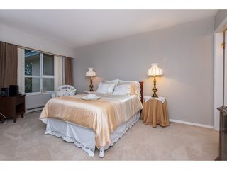 Photo 12: 301 1459 BLACKWOOD Street: White Rock Condo for sale (South Surrey White Rock)  : MLS®# R2429826