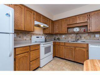 Photo 4: 301 1459 BLACKWOOD Street: White Rock Condo for sale (South Surrey White Rock)  : MLS®# R2429826