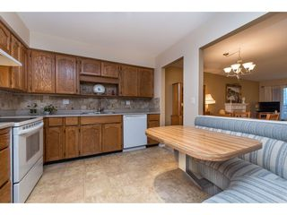 Photo 3: 301 1459 BLACKWOOD Street: White Rock Condo for sale (South Surrey White Rock)  : MLS®# R2429826