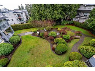 Photo 16: 301 1459 BLACKWOOD Street: White Rock Condo for sale (South Surrey White Rock)  : MLS®# R2429826