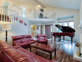 Photo 2: 1303 Jordan Street in Coquitlam: Canyon Springs House for sale : MLS®# R2425754