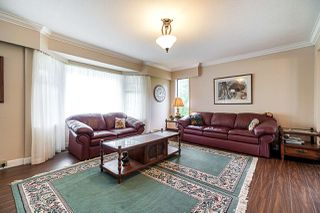Photo 4: 26393 4 Avenue in Langley: Otter District House for sale : MLS®# R2439019