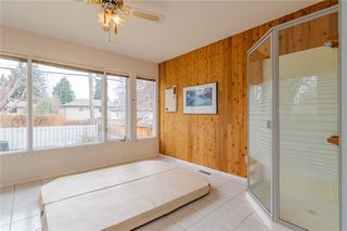 Photo 18: 377 CAPRI Avenue NW in Calgary: Brentwood Detached for sale : MLS®# C4296522