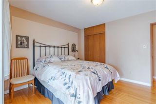 Photo 16: 377 CAPRI Avenue NW in Calgary: Brentwood Detached for sale : MLS®# C4296522