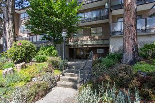 "Photo 2: 331 210 W 2ND Street in North Vancouver: Lower Lonsdale Condo for sale in ""Viewport"" : MLS®# R2457136"