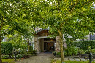 """Photo 2: 301 3082 DAYANEE SPRINGS Boulevard in Coquitlam: Westwood Plateau Condo for sale in """"THE LANTERNS"""" : MLS®# R2499078"""