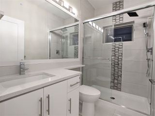 Photo 8: 4989 MOSS Street in Vancouver: Collingwood VE 1/2 Duplex for sale (Vancouver East)  : MLS®# R2525974