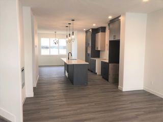 Photo 2: 3361 Orchards Link in Edmonton: Zone 53 House for sale : MLS®# E4225108