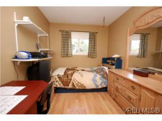 Photo 11: 382 Selica Rd in VICTORIA: La Atkins Half Duplex for sale (Langford)  : MLS®# 533924