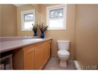 Photo 18: 382 Selica Rd in VICTORIA: La Atkins Half Duplex for sale (Langford)  : MLS®# 533924
