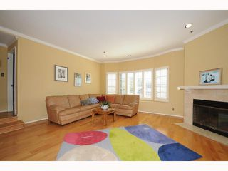 Photo 2: MISSION HILLS Condo for sale : 2 bedrooms : 909 Sutter #201 in San Diego