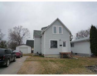 Photo 1: 408 QUEEN Avenue in SELKIRK: City of Selkirk Residential for sale (Winnipeg area)  : MLS®# 2907064
