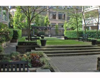 Photo 2: 125 511 W 7TH Avenue in Vancouver: Fairview VW Condo for sale (Vancouver West)  : MLS®# V768353