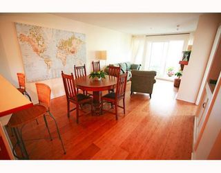 """Photo 4: 310 1432 PARKWAY Boulevard in Coquitlam: Westwood Plateau Condo for sale in """"MONTREUX"""" : MLS®# V774936"""