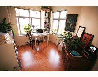 """Photo 7: 310 1432 PARKWAY Boulevard in Coquitlam: Westwood Plateau Condo for sale in """"MONTREUX"""" : MLS®# V774936"""