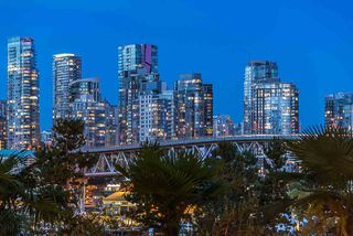 "Main Photo: 309 1470 PENNYFARTHING Drive in Vancouver: False Creek Condo for sale in ""HARBOUR COVE"" (Vancouver West)  : MLS®# R2400302"