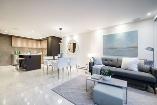 """Photo 7: 309 1470 PENNYFARTHING Drive in Vancouver: False Creek Condo for sale in """"HARBOUR COVE"""" (Vancouver West)  : MLS®# R2400302"""