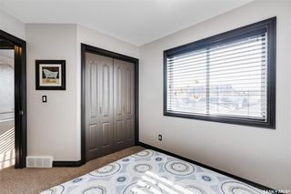 Photo 16: 819 Willowgrove Crescent in Saskatoon: Willowgrove Residential for sale : MLS®# SK789085