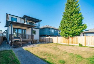 Photo 19: 8042 17TH Avenue in Burnaby: East Burnaby House for sale (Burnaby East)  : MLS®# R2413433