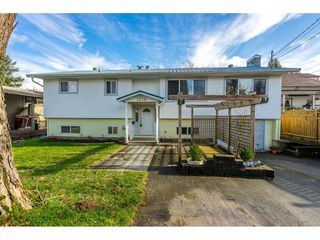 Photo 1: 2770 MOUNTVIEW Street in Abbotsford: Abbotsford East House for sale : MLS®# R2427539