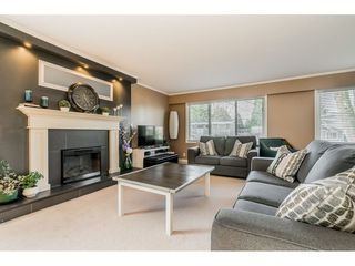 Photo 3: 2770 MOUNTVIEW Street in Abbotsford: Abbotsford East House for sale : MLS®# R2427539