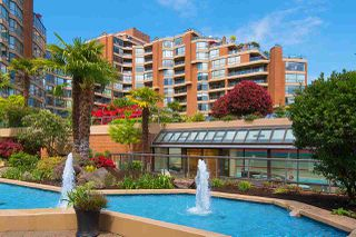 """Photo 15: 501 1470 PENNYFARTHING Drive in Vancouver: False Creek Condo for sale in """"HARBOUR COVE II"""" (Vancouver West)  : MLS®# R2451821"""