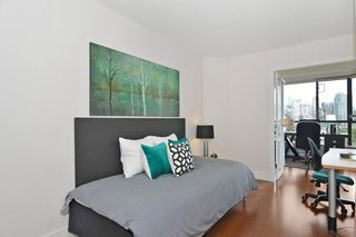 """Photo 13: 501 1470 PENNYFARTHING Drive in Vancouver: False Creek Condo for sale in """"HARBOUR COVE II"""" (Vancouver West)  : MLS®# R2451821"""