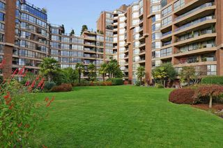 """Photo 14: 501 1470 PENNYFARTHING Drive in Vancouver: False Creek Condo for sale in """"HARBOUR COVE II"""" (Vancouver West)  : MLS®# R2451821"""