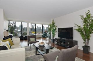 """Photo 8: 501 1470 PENNYFARTHING Drive in Vancouver: False Creek Condo for sale in """"HARBOUR COVE II"""" (Vancouver West)  : MLS®# R2451821"""