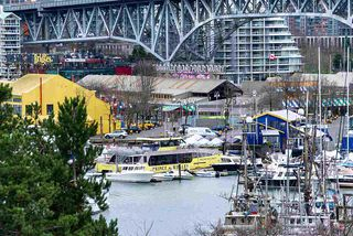 """Photo 3: 501 1470 PENNYFARTHING Drive in Vancouver: False Creek Condo for sale in """"HARBOUR COVE II"""" (Vancouver West)  : MLS®# R2451821"""