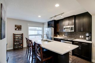 Photo 13: 35 ASPEN HILLS Green SW in Calgary: Aspen Woods Row/Townhouse for sale : MLS®# A1033284