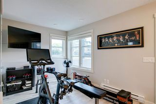 Photo 3: 35 ASPEN HILLS Green SW in Calgary: Aspen Woods Row/Townhouse for sale : MLS®# A1033284