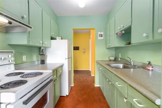Photo 7: 203 909 Pendergast St in : Vi Fairfield West Condo for sale (Victoria)  : MLS®# 857064
