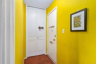 Photo 5: 203 909 Pendergast St in : Vi Fairfield West Condo for sale (Victoria)  : MLS®# 857064