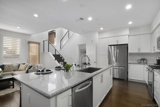 Photo 2: MISSION VALLEY Townhouse for sale : 3 bedrooms : 2551 Aperture Cir in San Diego