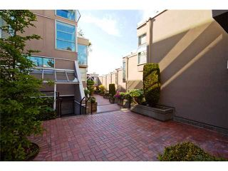 """Photo 10: 2227 OAK Street in Vancouver: Fairview VW Townhouse for sale in """"THE SIXTH ESTATE"""" (Vancouver West)  : MLS®# V849884"""