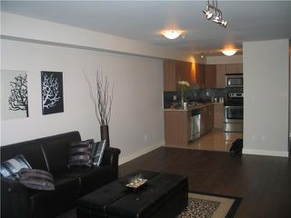 Photo 3: 105 2228 WELCHER Avenue in Port Coquitlam: Central Pt Coquitlam Condo for sale : MLS®# V851045