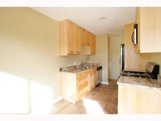 Photo 5: PACIFIC BEACH Condo for sale : 1 bedrooms : 825 MISSOURI