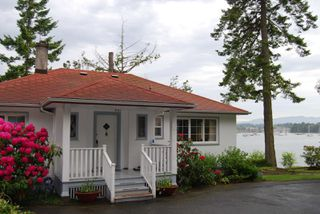 Photo 1: 2297 Tryon Rd in NORTH SAANICH: NS Curteis Point House for sale (North Saanich)  : MLS®# 489110