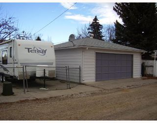 Photo 3: 9444 ALLISON Drive SE in CALGARY: Acadia Residential Detached Single Family for sale (Calgary)  : MLS®# C3358345