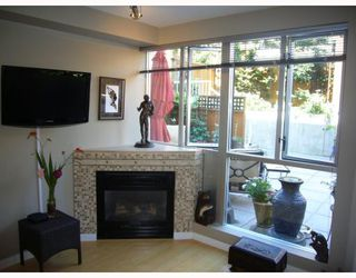 "Photo 4: 210 122 E 3RD Street in North_Vancouver: Lower Lonsdale Condo for sale in ""SAUSALITO"" (North Vancouver)  : MLS®# V775810"