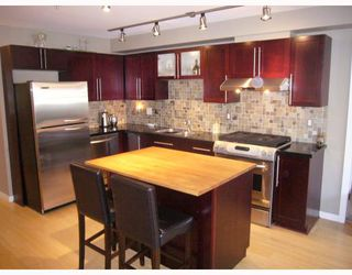 "Photo 2: 210 122 E 3RD Street in North_Vancouver: Lower Lonsdale Condo for sale in ""SAUSALITO"" (North Vancouver)  : MLS®# V775810"