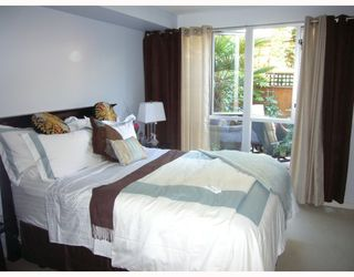 "Photo 5: 210 122 E 3RD Street in North_Vancouver: Lower Lonsdale Condo for sale in ""SAUSALITO"" (North Vancouver)  : MLS®# V775810"