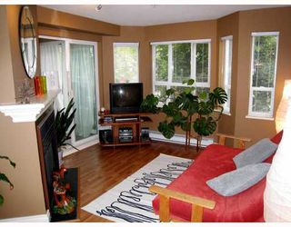 "Photo 3: 249 2565 W BROADWAY Street in Vancouver: Kitsilano Condo for sale in ""TRAFALGAR MEWS"" (Vancouver West)  : MLS®# V776963"