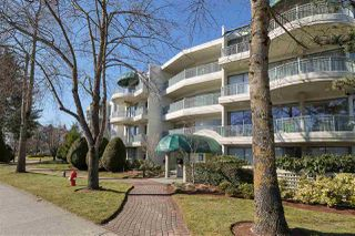 "Photo 2: 309 1785 MARTIN Drive in Surrey: Sunnyside Park Surrey Condo for sale in ""SOUTHWYND"" (South Surrey White Rock)  : MLS®# R2393778"