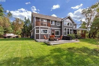 Photo 4: 713 Skyview Place in VICTORIA: Hi Western Highlands Single Family Detached for sale (Highlands)  : MLS®# 416792