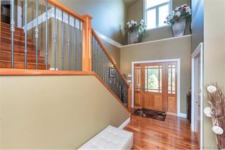 Photo 10: 713 Skyview Place in VICTORIA: Hi Western Highlands Single Family Detached for sale (Highlands)  : MLS®# 416792