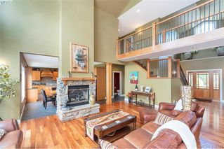 Photo 14: 713 Skyview Place in VICTORIA: Hi Western Highlands Single Family Detached for sale (Highlands)  : MLS®# 416792